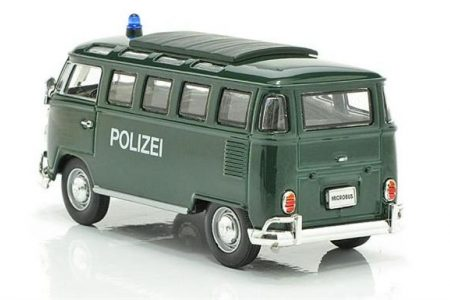 Eins, Zwei, Polizei. Was ist los, was ist das? The use of firearms by police officers